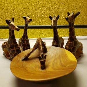 Handcarved/Painted 4 🦒 Knapkin Holders w/H2O Bowl